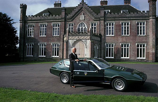 Colin_Chapman_Lotus_Elite