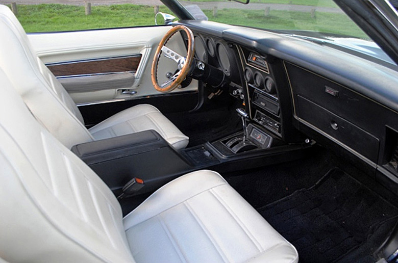 Ford_Mustang_1972_Interior