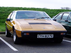 Lotus_Elite_S1_Gold_Front