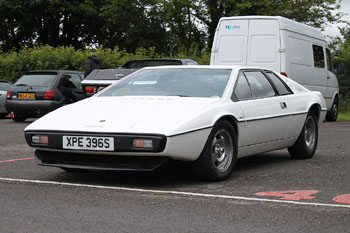 Lotus_Esprit_S1_White_1977