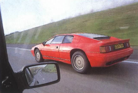 Lotus_Esprit_Turbo_1988_Driving