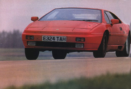 Lotus_Esprit_Turbo_High_Speed
