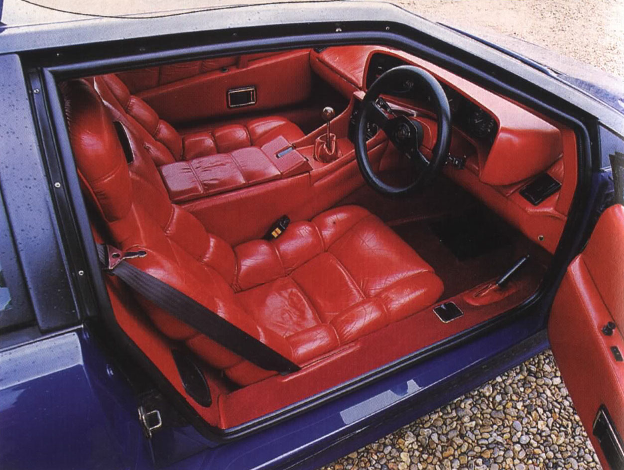 Lotus_Esprit_Turbo_Interior_Red_Leather.