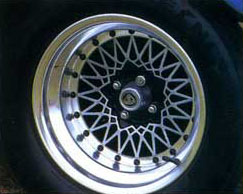 Lotus_Turbo_Esprit_Alloy_Wheel.