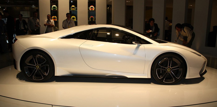 New_Lotus_Esprit_Side_View_2013