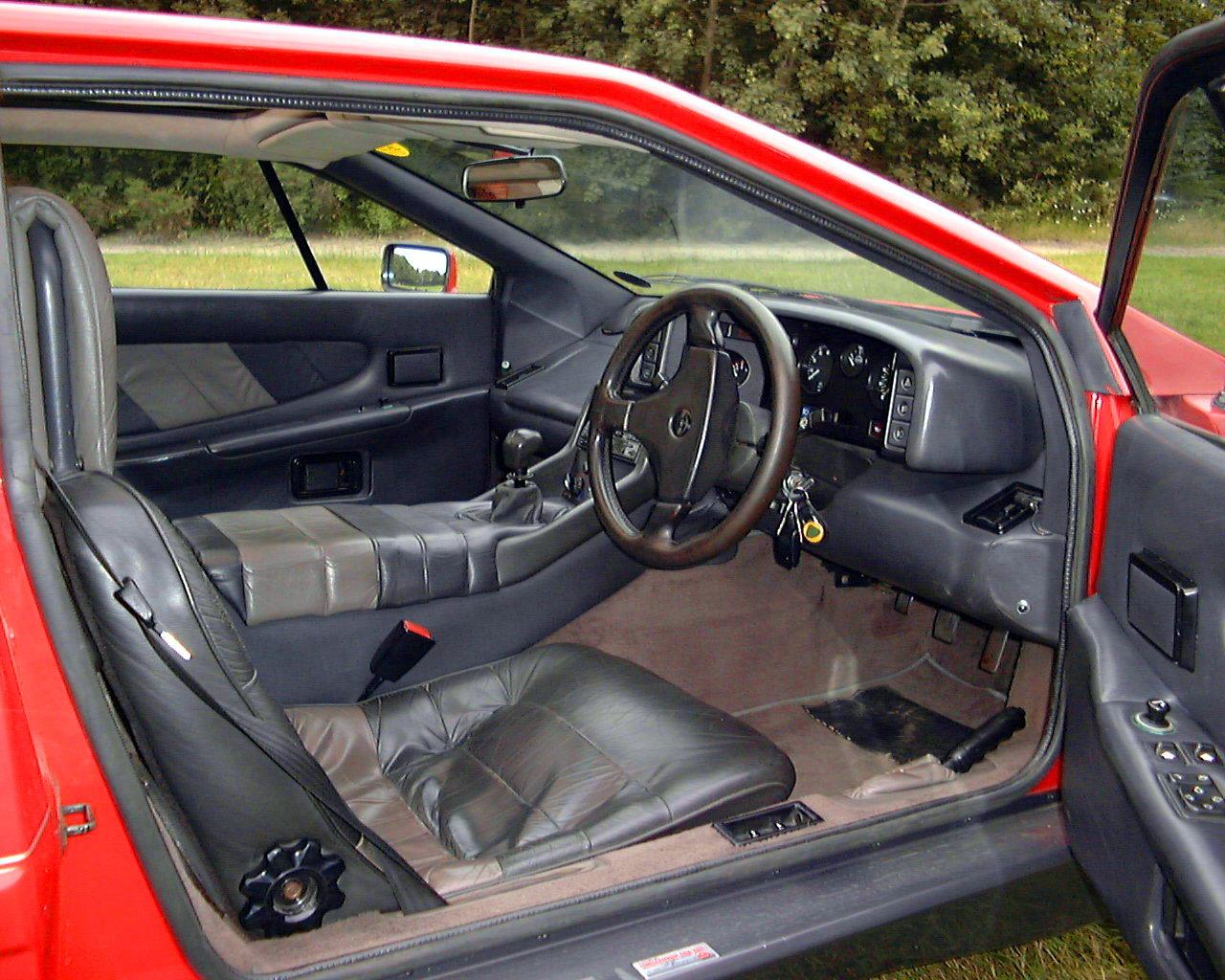 Mark Blanchard S 1987 Lotus Esprit Turbo X180