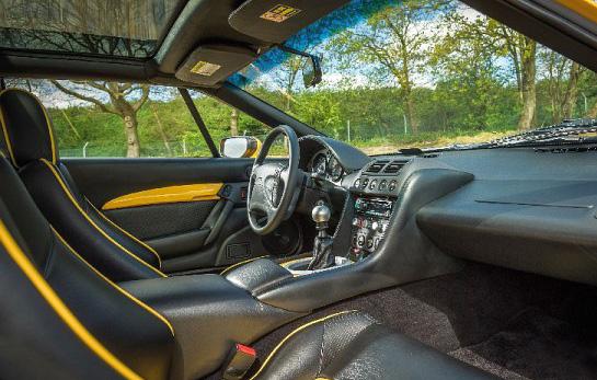 Lotus Esprit S1 Versus V8