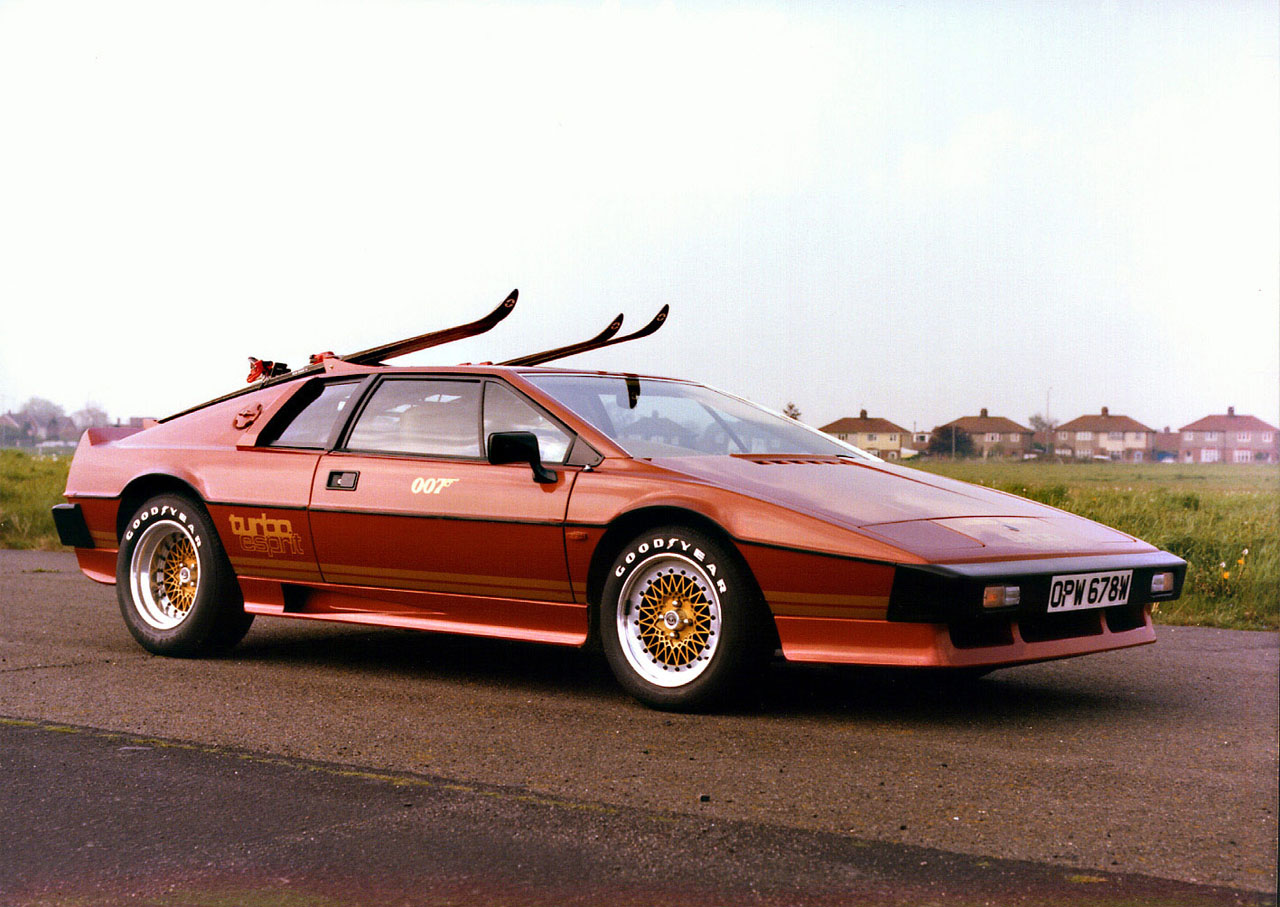 Lotus Turbo Esprit James Bond 007